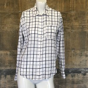 Elizabeth and James Buttoned Down Shirt XS